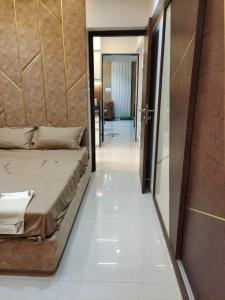 Gallery Cover Image of 682 Sq.ft 1 BHK Apartment for buy in Thane West for 8500000