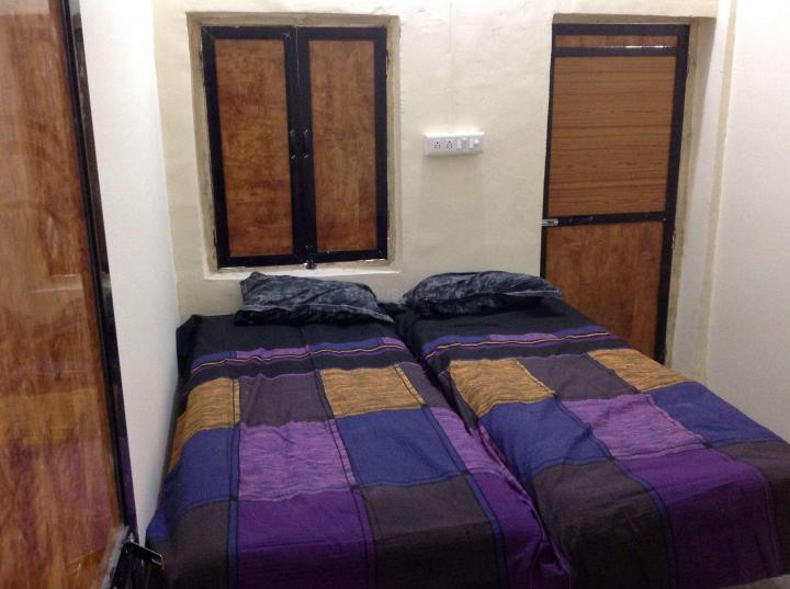 वाशी में बसेरा हाउस पीजी में बेडरूम की तस्वीर