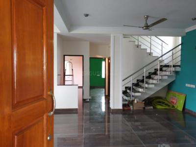Gallery Cover Image of 1300 Sq.ft 2 BHK Independent Floor for rent in Vandalur for 12000