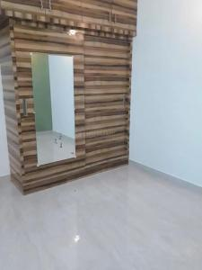 Gallery Cover Image of 1200 Sq.ft 3 BHK Apartment for rent in Choolaimedu for 26000
