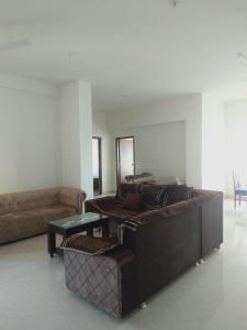 Gallery Cover Image of 3305 Sq.ft 3 BHK Apartment for rent in Shantigram for 45000