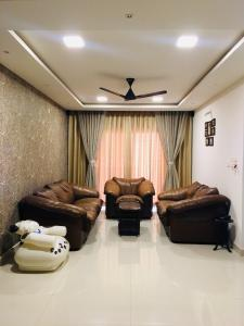 Gallery Cover Image of 1530 Sq.ft 3 BHK Apartment for rent in Bhoganhalli for 45000