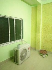 Gallery Cover Image of 800 Sq.ft 2 BHK Apartment for rent in South Dum Dum for 12000
