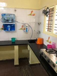 Kitchen Image of PG 6331556 Shanti Nagar in Shanti Nagar