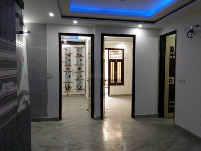 Gallery Cover Image of 800 Sq.ft 3 BHK Apartment for buy in Dwarka Mor for 4500000
