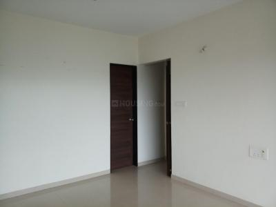 Gallery Cover Image of 1120 Sq.ft 2 BHK Apartment for rent in Kandivali East for 33000