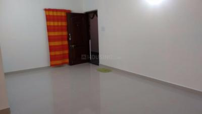 Gallery Cover Image of 963 Sq.ft 2 BHK Apartment for rent in Perungalathur for 12000