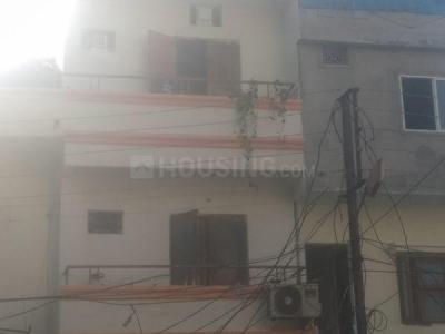 Gallery Cover Image of 400 Sq.ft 1 BHK Independent Floor for rent in Shivaji Nagar for 9000
