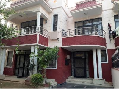 Gallery Cover Image of 2700 Sq.ft 4 BHK Villa for buy in Sushant Lok 3, Sector 57 for 31500000