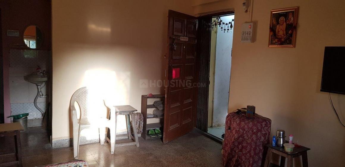 Living Room Image of 480 Sq.ft 1 BHK Apartment for rent in Thane West for 15000