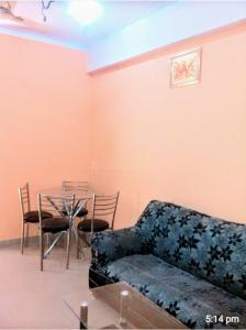 Gallery Cover Image of 1150 Sq.ft 2 BHK Apartment for rent in Gaursons Hi Tech Green Vista, Nyay Khand for 18000
