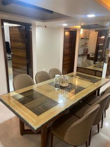 Gallery Cover Image of 2750 Sq.ft 6 BHK Apartment for buy in Ganesh Peth for 27000000