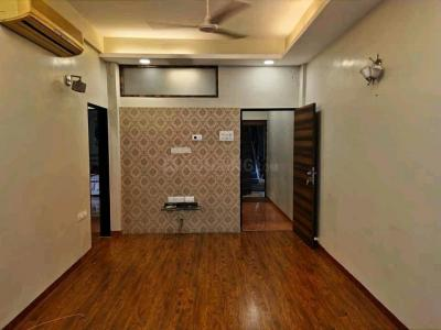 Gallery Cover Image of 750 Sq.ft 2 BHK Apartment for rent in Andheri West for 65000