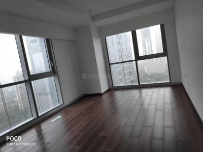 Gallery Cover Image of 3250 Sq.ft 4 BHK Apartment for rent in Dadar East for 250000