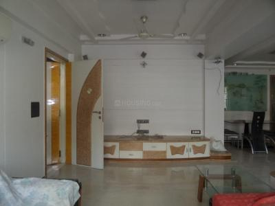 Gallery Cover Image of 1550 Sq.ft 4 BHK Apartment for rent in Vile Parle East for 120000