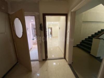 Gallery Cover Image of 1100 Sq.ft 2 BHK Apartment for buy in Rizvi Utopia, Santacruz East for 16500000