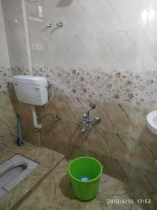 Bathroom Image of Shivam PG in Kopar Khairane