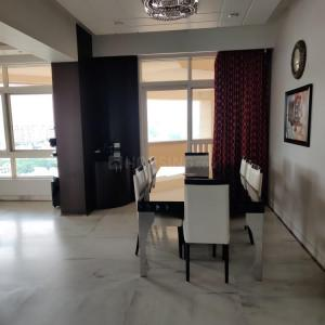 Gallery Cover Image of 3250 Sq.ft 3 BHK Apartment for buy in Silverglades The Ivy, DLF Phase 4 for 43000000