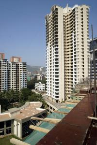 Gallery Cover Image of 1260 Sq.ft 3 BHK Apartment for rent in Thane West for 28000
