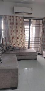 Gallery Cover Image of 1540 Sq.ft 3 BHK Apartment for rent in Malad West for 60000