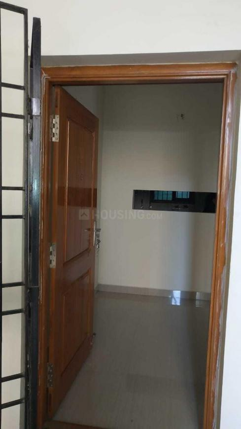Main Entrance Image of 535 Sq.ft 1 BHK Apartment for buy in Kundrathur for 1926000