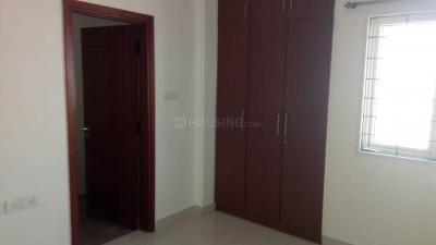 Gallery Cover Image of 1100 Sq.ft 2 BHK Apartment for rent in Thoraipakkam for 20000