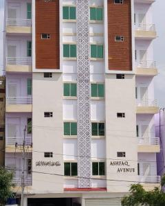 Gallery Cover Image of 1850 Sq.ft 2 BHK Apartment for rent in Manikonda for 15000