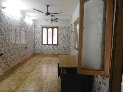 Gallery Cover Image of 750 Sq.ft 2 BHK Independent Floor for rent in Tangra for 12000