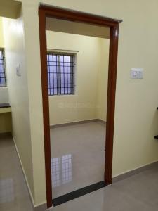Gallery Cover Image of 450 Sq.ft 1 BHK Independent Floor for rent in Karapakkam for 9000