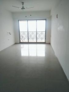 Gallery Cover Image of 1300 Sq.ft 3 BHK Apartment for rent in Dahisar West for 40000