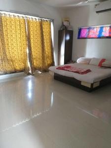 Gallery Cover Image of 7500 Sq.ft 4 BHK Villa for rent in V Square Vedant Kadam, Sola Village for 60000