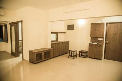 Gallery Cover Image of 1300 Sq.ft 2 BHK Apartment for rent in Vaibhav Apartments, Prabhadevi for 130000