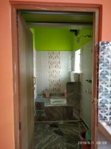 Bathroom Image of Shrithi in Baghajatin