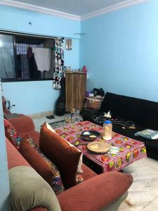 Gallery Cover Image of 728 Sq.ft 1 BHK Apartment for rent in Mantri Park, Goregaon East for 32000