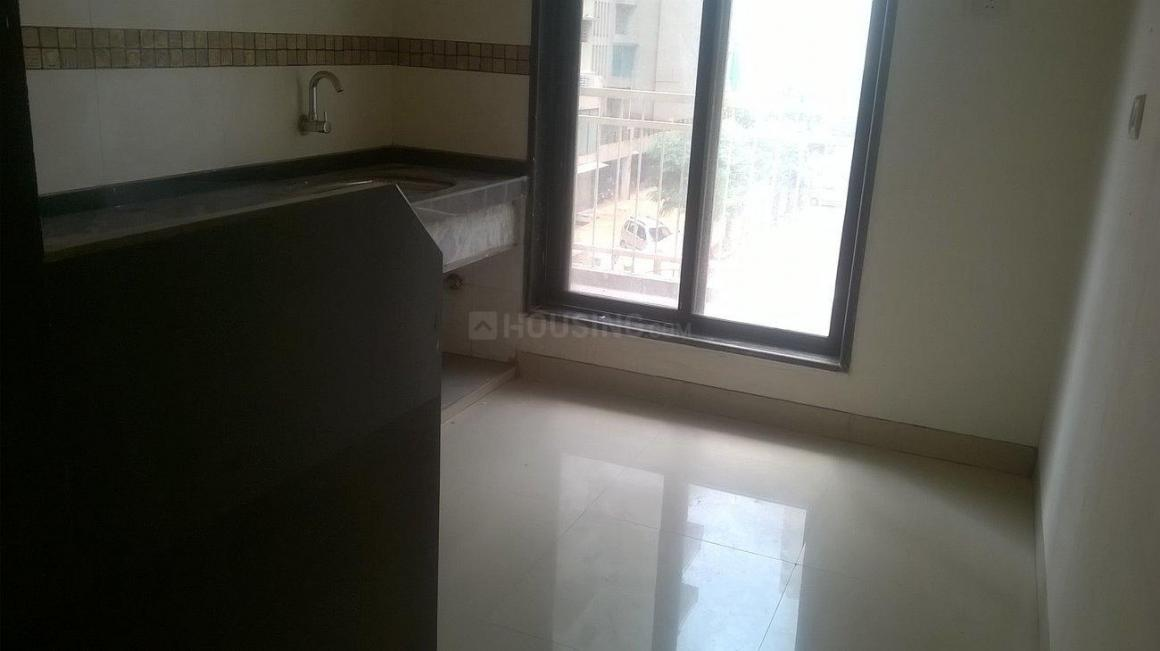 Kitchen Image of 650 Sq.ft 1 BHK Apartment for rent in Kharghar for 10000