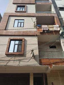 Gallery Cover Image of 650 Sq.ft 2 BHK Independent Floor for buy in Sector 22 Rohini for 4600000