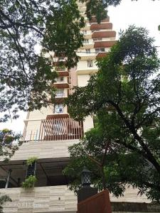 Gallery Cover Image of 600 Sq.ft 1 BHK Apartment for buy in Goregaon East for 12800000
