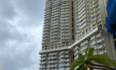 Gallery Cover Image of 1320 Sq.ft 2 BHK Apartment for buy in Land L and T Cresent Bay, Parel for 32500000