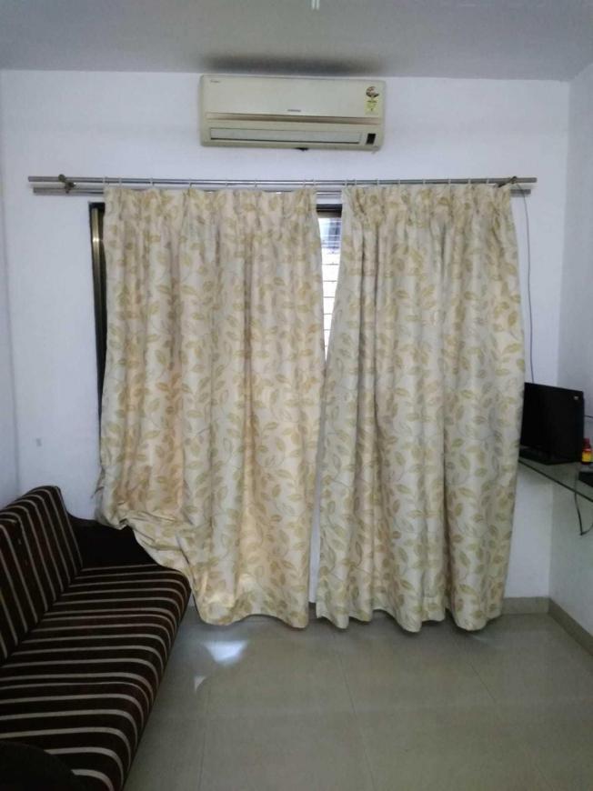 Living Room Image of 530 Sq.ft 1 BHK Apartment for rent in Kopar Khairane for 20000