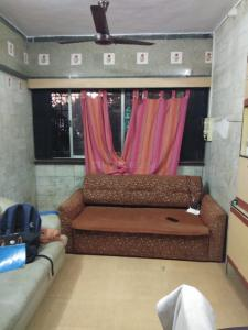 Gallery Cover Image of 585 Sq.ft 1 BHK Apartment for rent in Dadar West for 40000