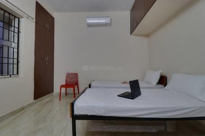 Bedroom Image of Oyo Life Chn1028 in Saligramam