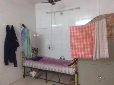 कॉपर खैरने में ओम साई पीजी में बेडरूम की तस्वीर
