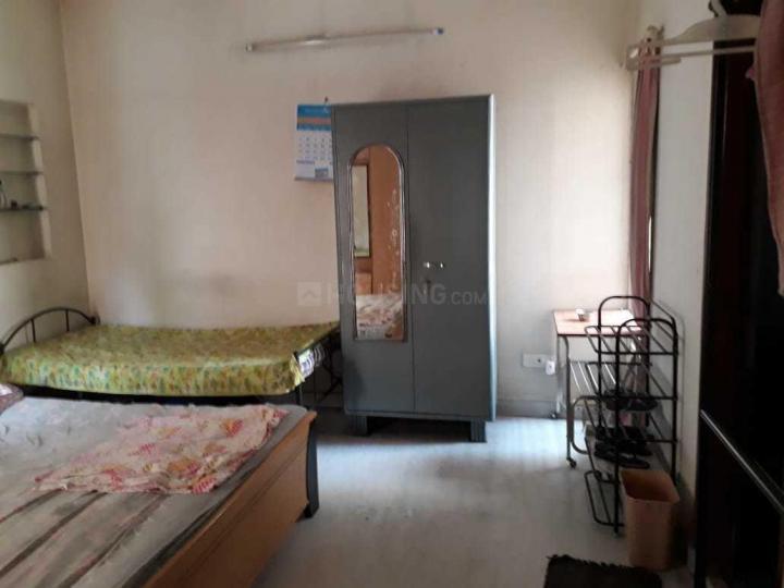एचबीआर लेआउट में शांभवी पीजी फॉर लेडिज में बेडरूम की तस्वीर