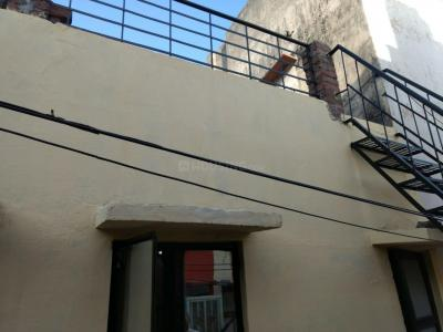 Gallery Cover Image of 650 Sq.ft 2 BHK Apartment for rent in Hari Nagar for 15000