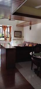 Gallery Cover Image of 1200 Sq.ft 1 BHK Apartment for rent in Mahim for 35000