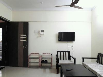 Gallery Cover Image of 900 Sq.ft 2 BHK Apartment for buy in Kandivali West for 18500000
