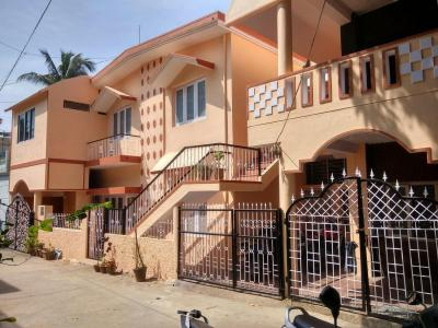Gallery Cover Image of 800 Sq.ft 1 BHK Independent House for rent in Vibhutipura for 11000