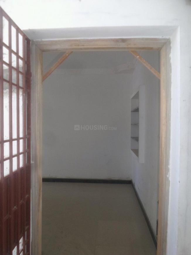 Main Entrance Image of 950 Sq.ft 2 BHK Apartment for rent in Tambaram for 10000