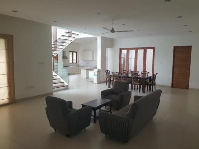 Gallery Cover Image of 5000 Sq.ft 4 BHK Independent House for rent in Uthandi for 140000