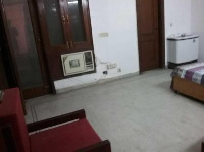 Gallery Cover Image of 2250 Sq.ft 3 BHK Independent Floor for rent in Saket for 60000